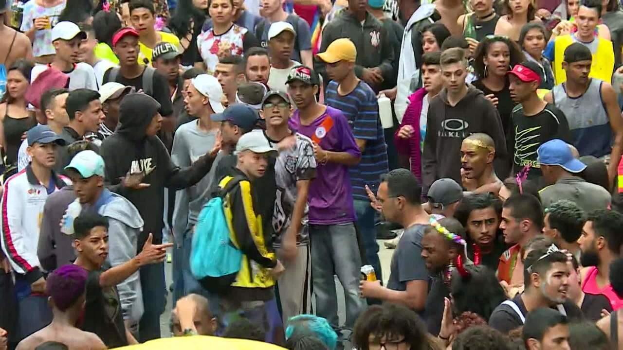 Briga interrompe festa no Bloco Minhoqueens, em São Paulo