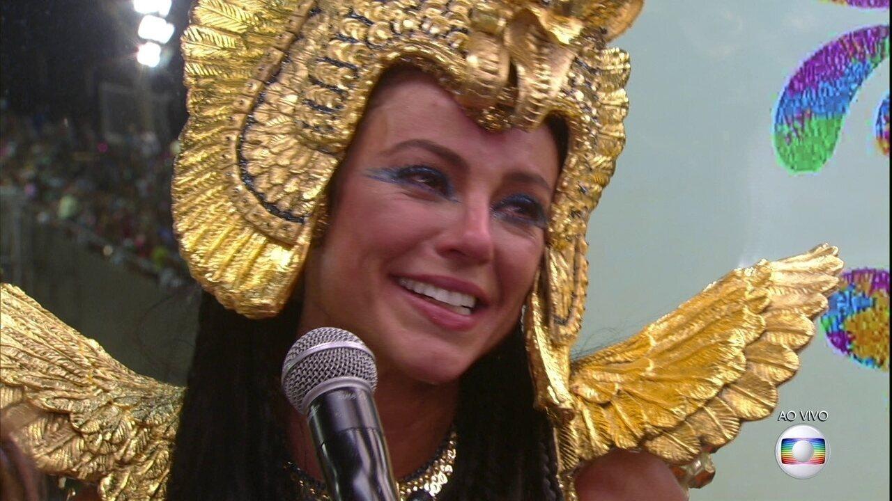 Paolla Oliveira se emociona e agradece à Grande Rio após desfile
