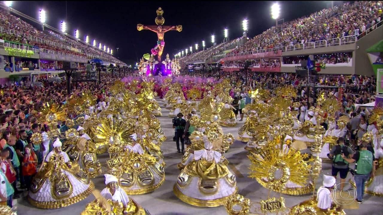 Mangueira apresenta as várias faces de Jesus Cristo das minorias na avenida