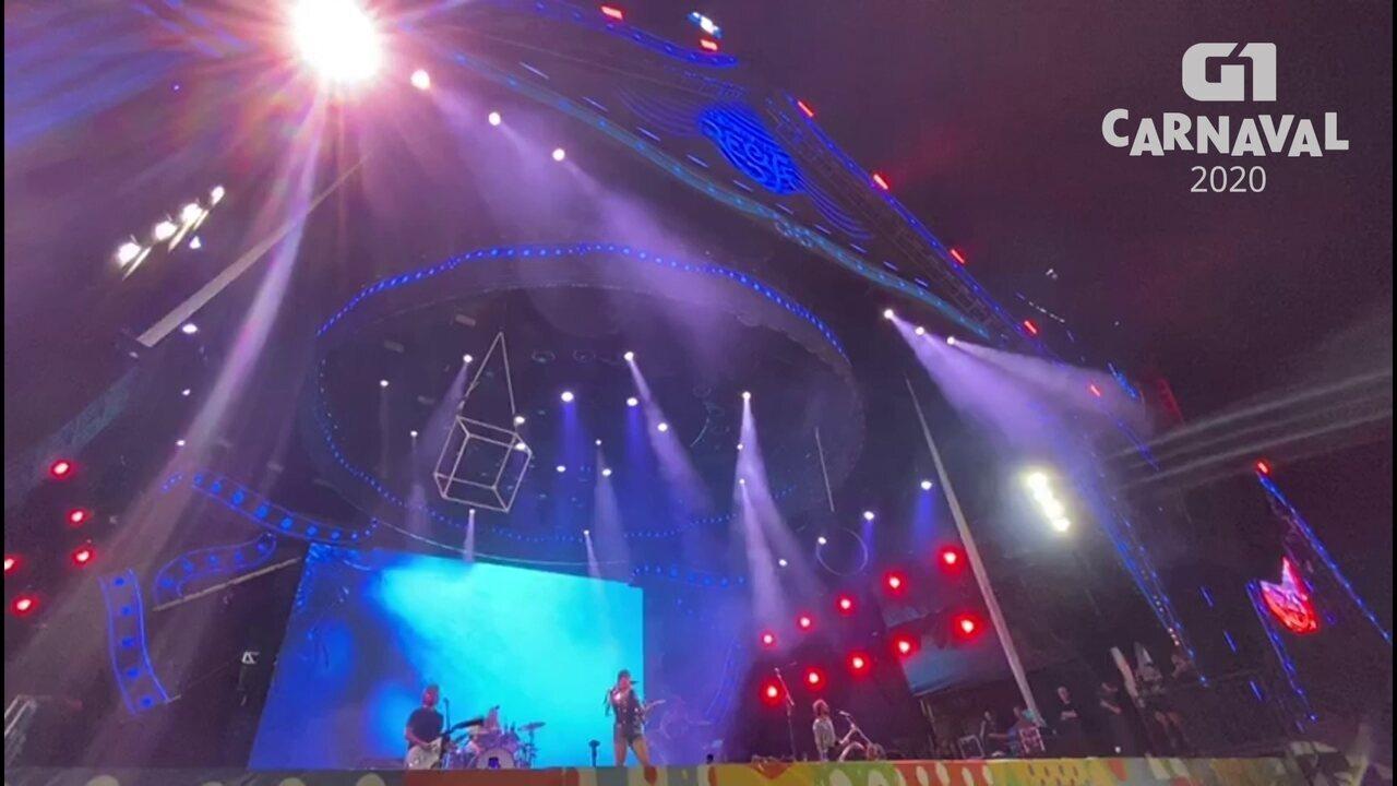 Pitty foi um dos destaques da noite do rock, no carnaval do Marco Zero do Recife