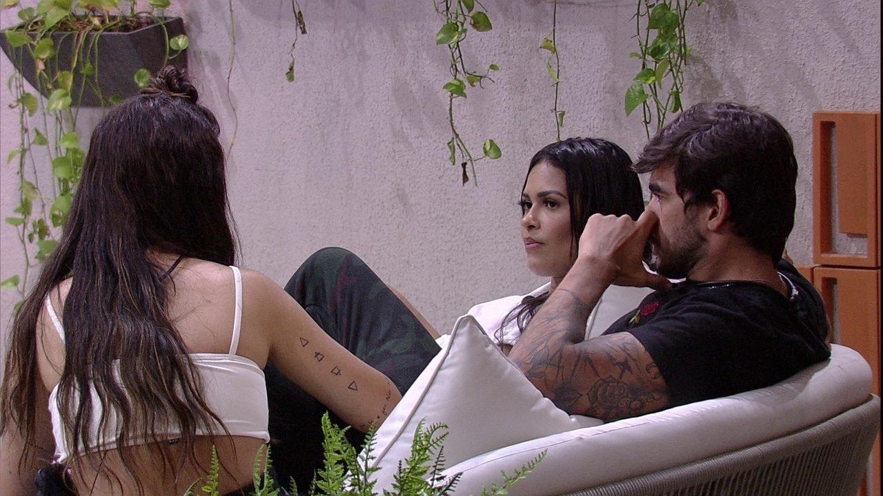 Bianca pergunta a Guilherme: 'Tu está bem com a Gabi?'