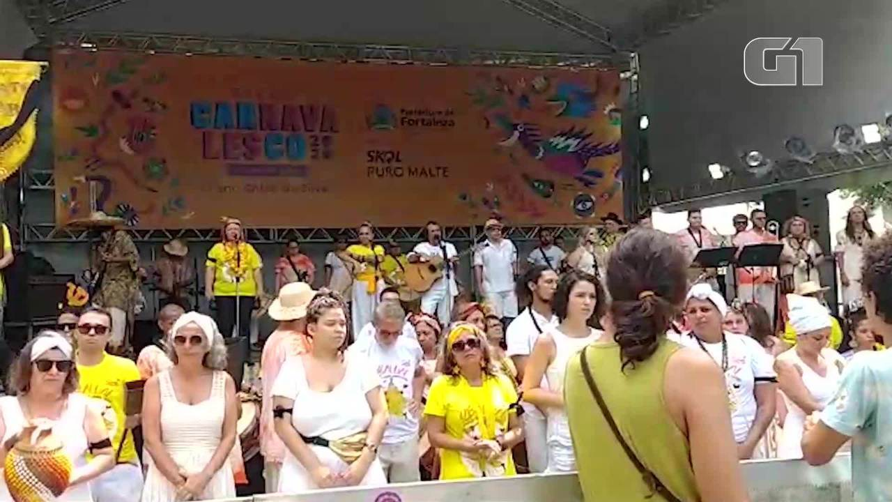 Bloco Maracatu Solar homenageia jovem morta por bala perdida em Fortaleza