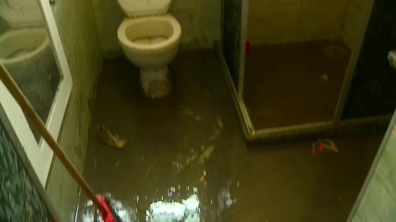 Chuva causa estragos em bairros da Zona Oeste do Rio de Janeiro