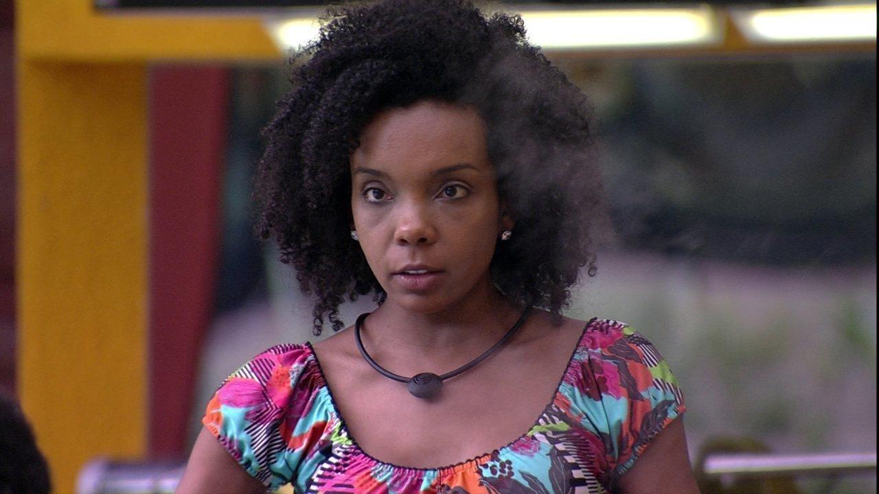 Thelma diz a Babu: 'Estou chateada com você'