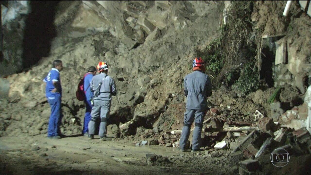 Número de mortos vítimas das chuvas na Baixada Santista chega a 41