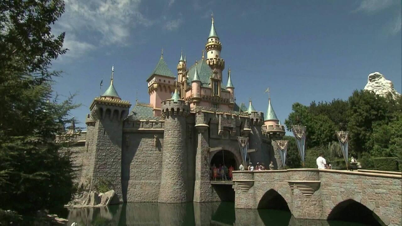 Disney fecha parques por causa do coronavírus