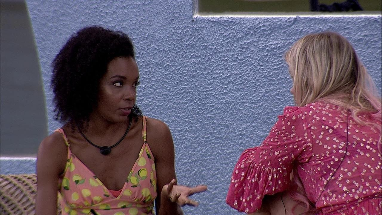 Marcela justifica atitude de Daniel e Thelma diz: 'Não seria sua amiga se não entendesse'