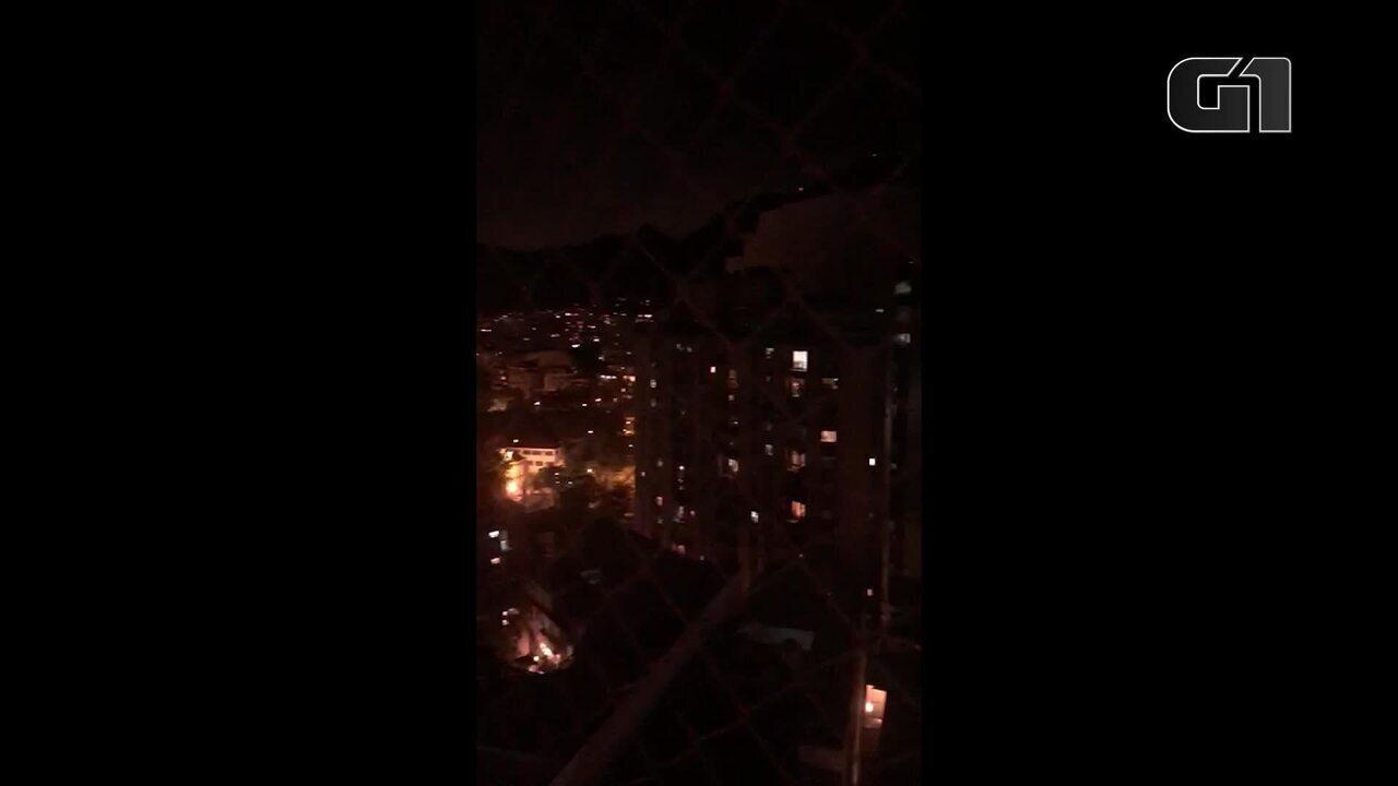Moradores da Zona Sul do Rio vaiam governo Bolsonaro e batem panelas