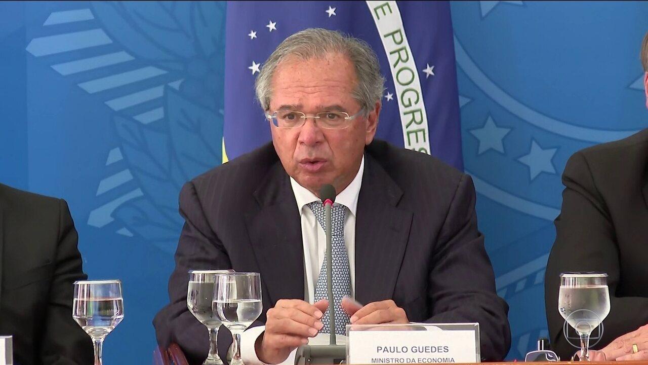 Governo anuncia R$ 200 mensais para autônomos de baixa renda