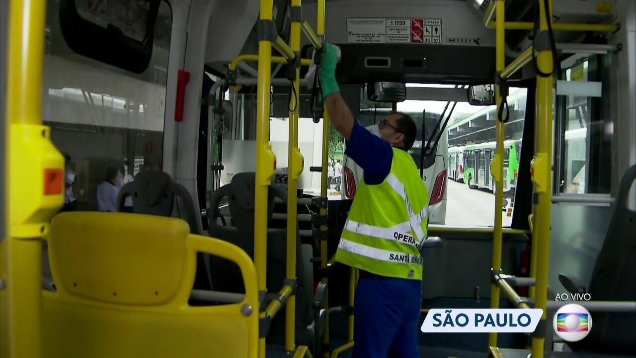 São Paulo reforça a limpeza e higienização de ônibus