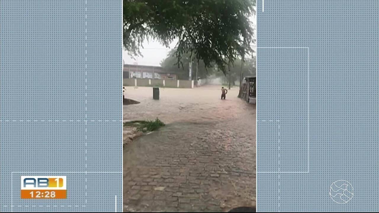 Cidades do interior sofrem com a chuva devido a falta de estrutura