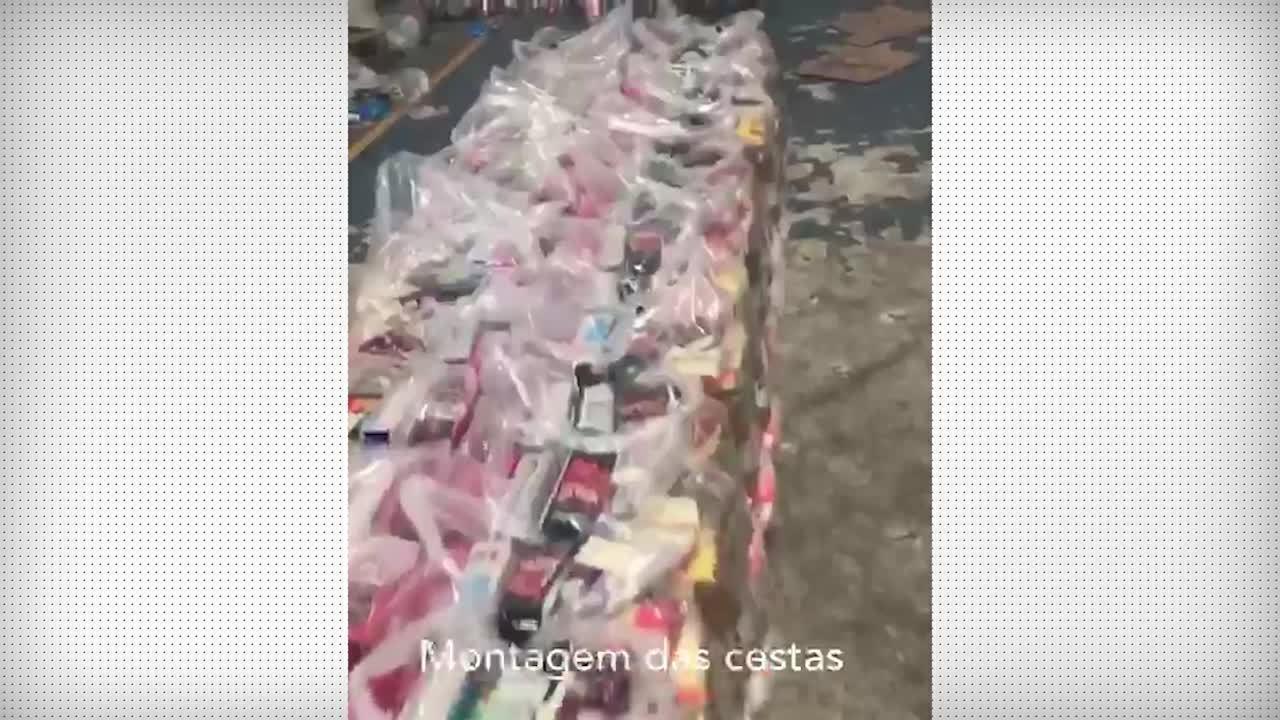 Philippe Coutinho, ex-jogador do Vasco, faz doações de alimentos a comunidades no Rio
