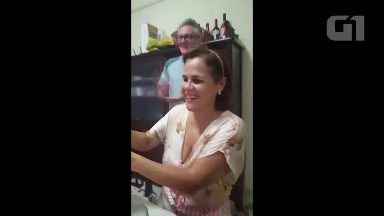 Aniversariante em RO realiza festa online com família para comemorar os 58 anos.