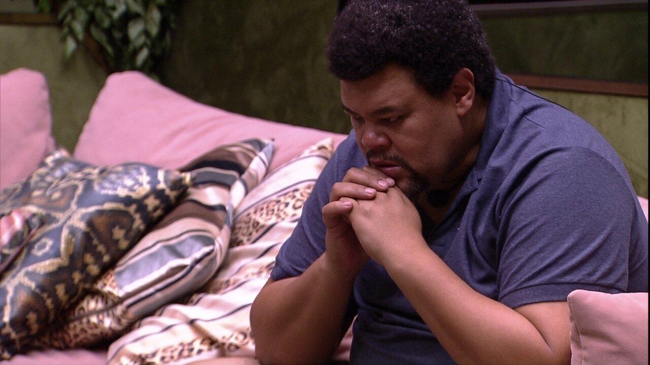 Babu chora sozinho na sala do BBB20