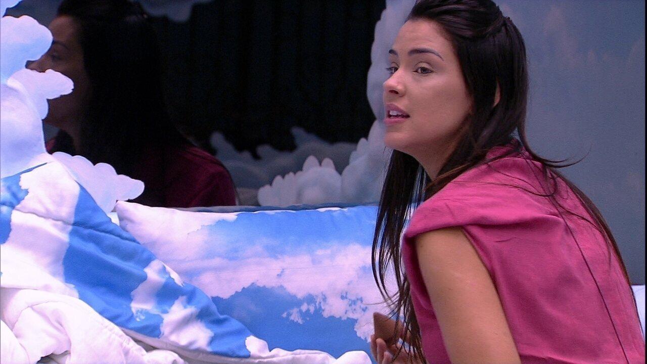 Ivy diz a Marcela: 'Você tem que ficar, vamos até a Final nós três'