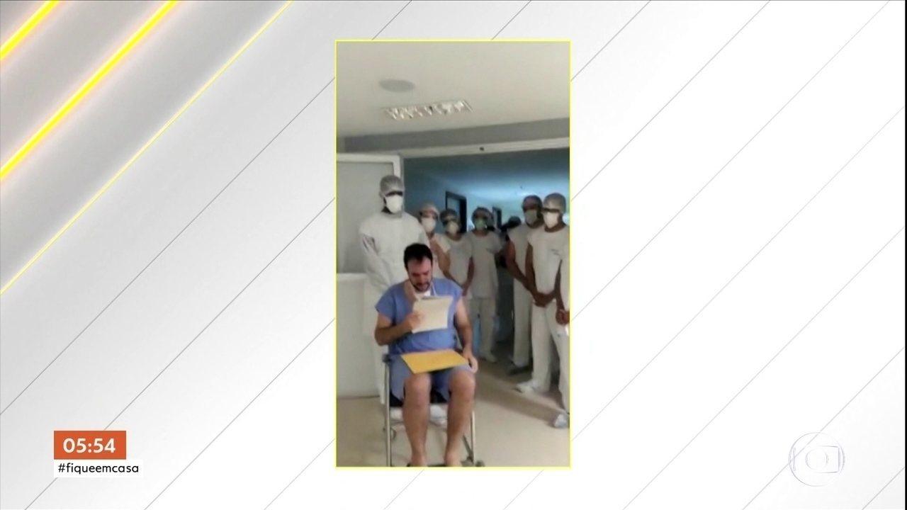 Pacientes comemoram vitória contra Covid-19