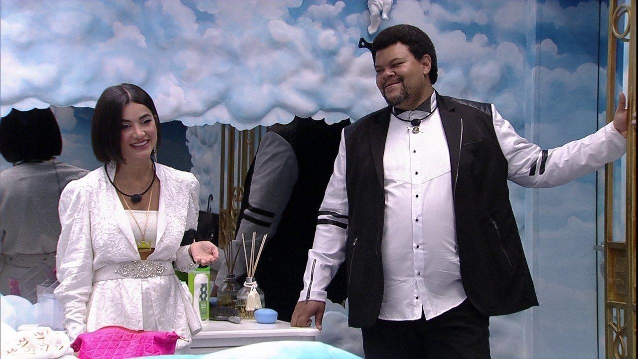 Babu e Manu ensaiam brincadeira de premiação do BBB20: 'Premiaremos as melhores tretas'