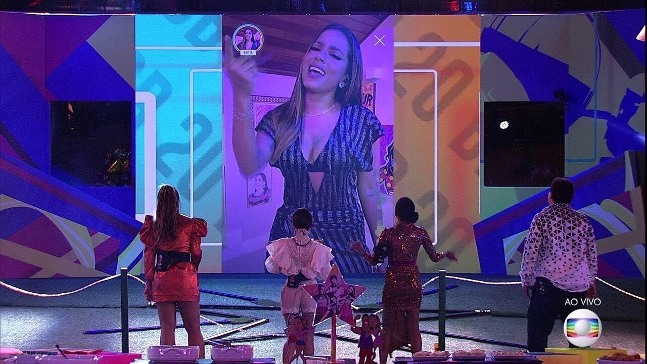 Anitta se apresentou para os brothers do BBB20 na festa desta sexta