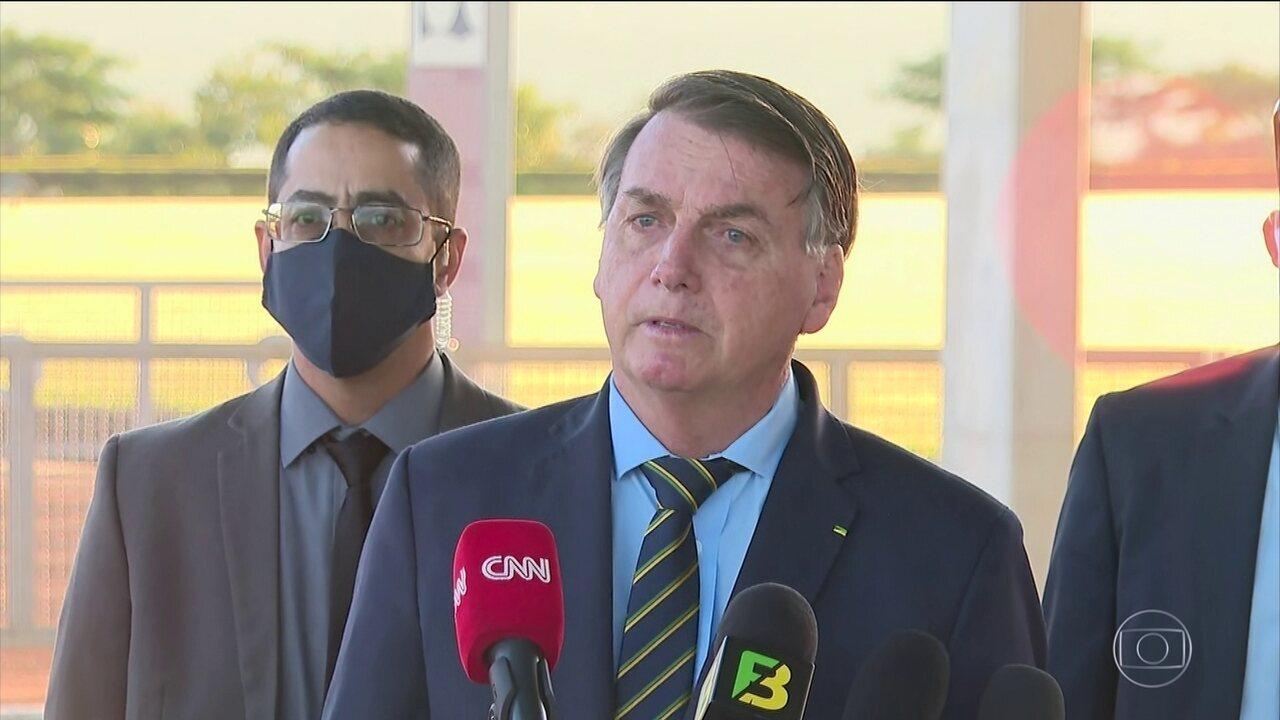 Bolsonaro cita relação de amizade de Alexandre de Moraes com Temer para rebater liminar