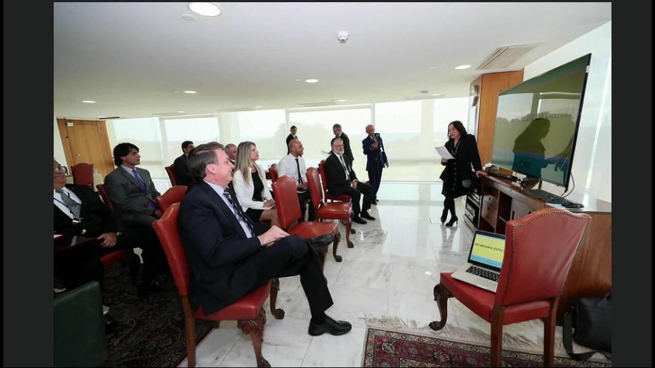 Em reunião, Regina Duarte apresenta plano de ação na Cultura para Bolsonaro