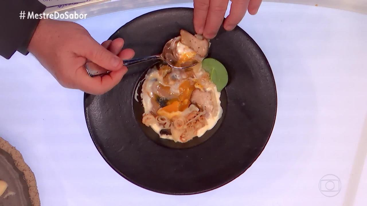 Claude elogia o prato feito por Kaywa