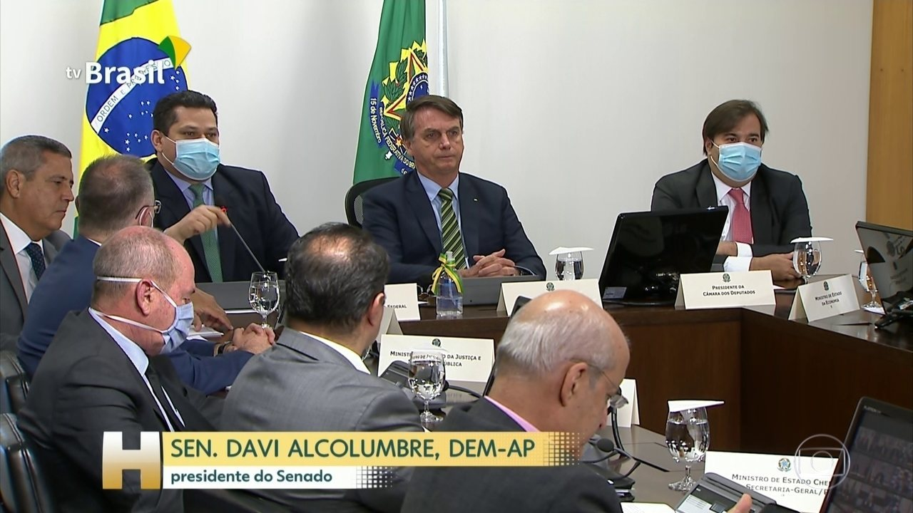 Bolsonaro se reúne com governadores e defende congelar salários de servidores