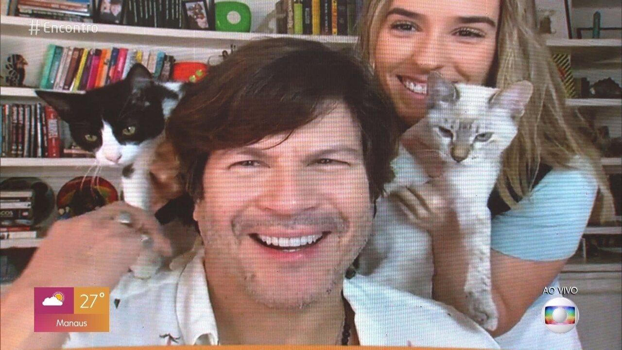 Paulo Ricardo adotou dois gatos na quarentena