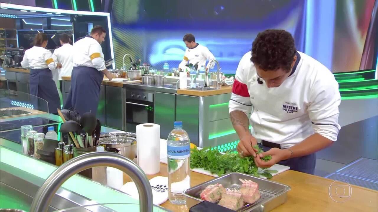 Kátia pergunta sobre o preparo do peixe