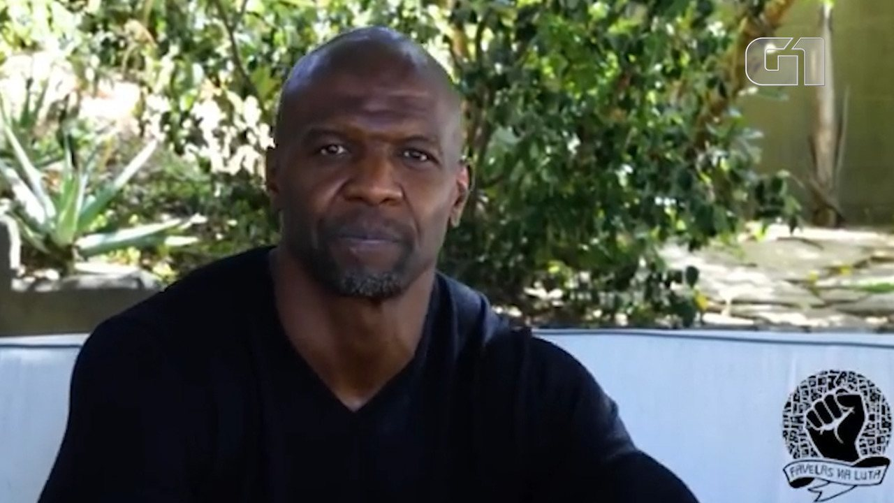 Ator Terry Crews presta solidariedade à família de João Pedro