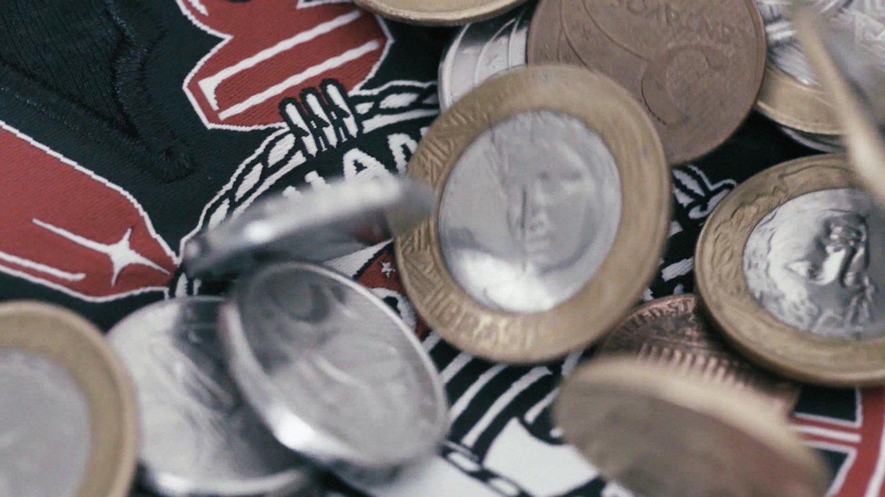 Corinthians acumula dívida recorde, salários atrasados e processos