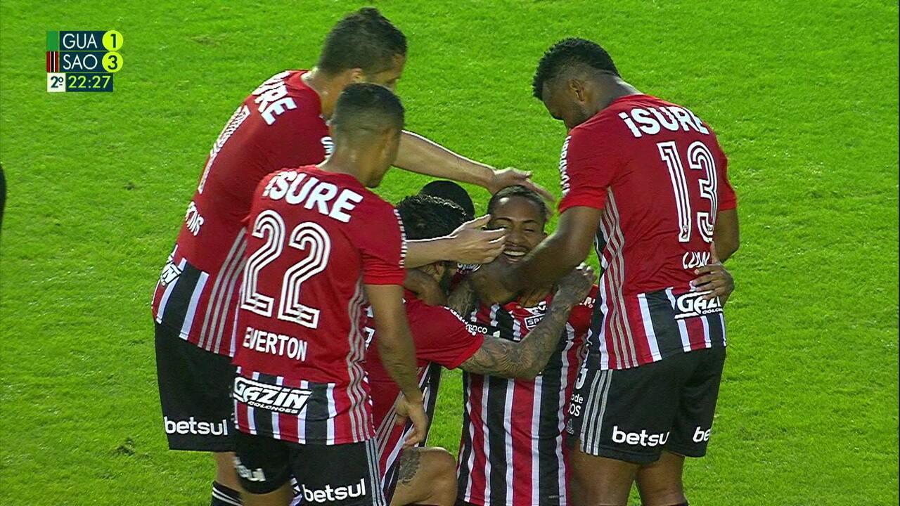 Gol do São Paulo! Paulinho Bóia domina e bate com perfeição de fora da área aos 22 do 2º tempo