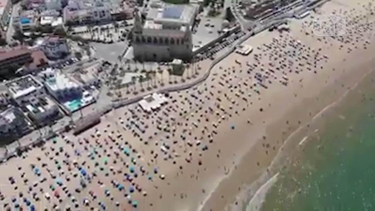 Polícia na Espanha mostra sucesso do distanciamento na praia