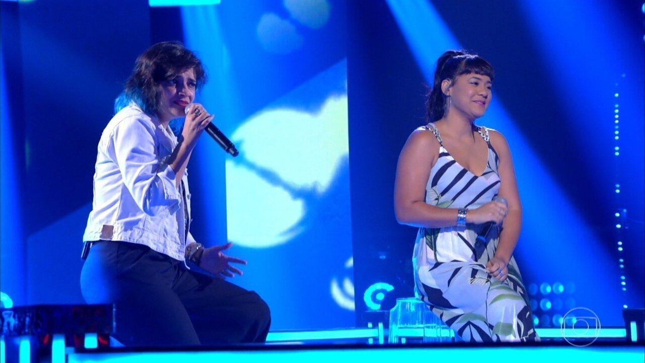 Larissa Vitorino e Tamara Salles cantam 'Água De Beber'