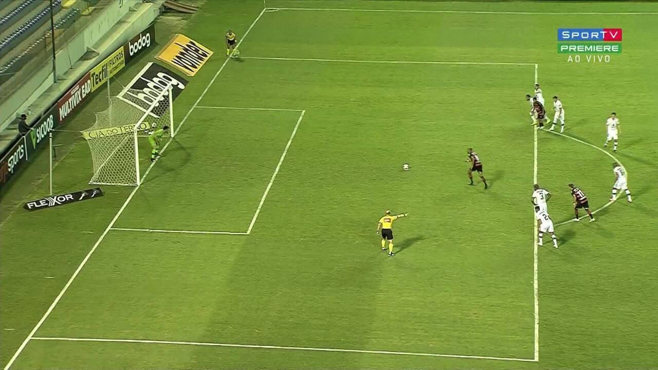 Gol do Oeste! Fábio desloca o goleiro e empata para a partida, aos 29 do 1T