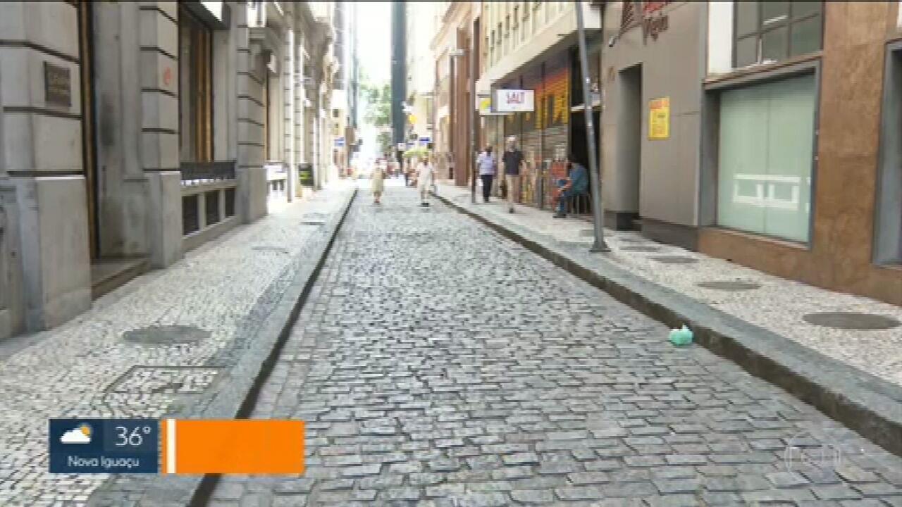 Pandemia muda o Centro do Rio e abandono na região é grande