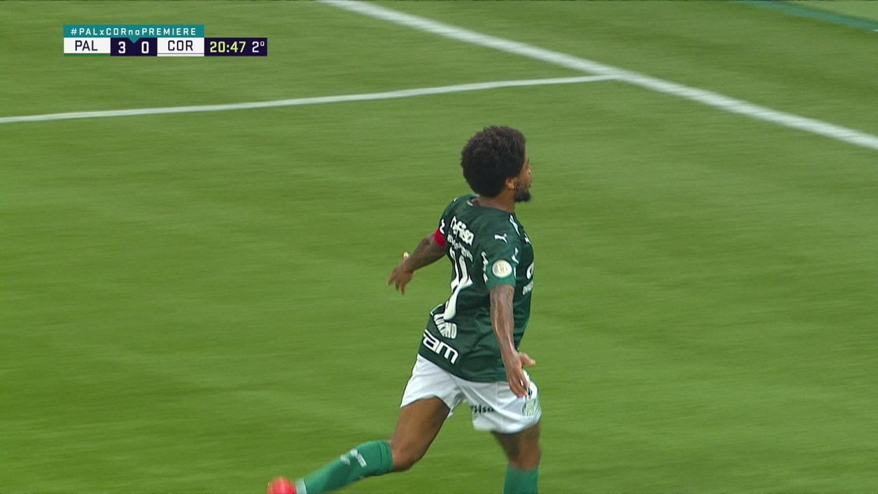 Último gol do Luiz Adriano pelo Palmeiras foi em clássico contra o Corinthians, em janeiro