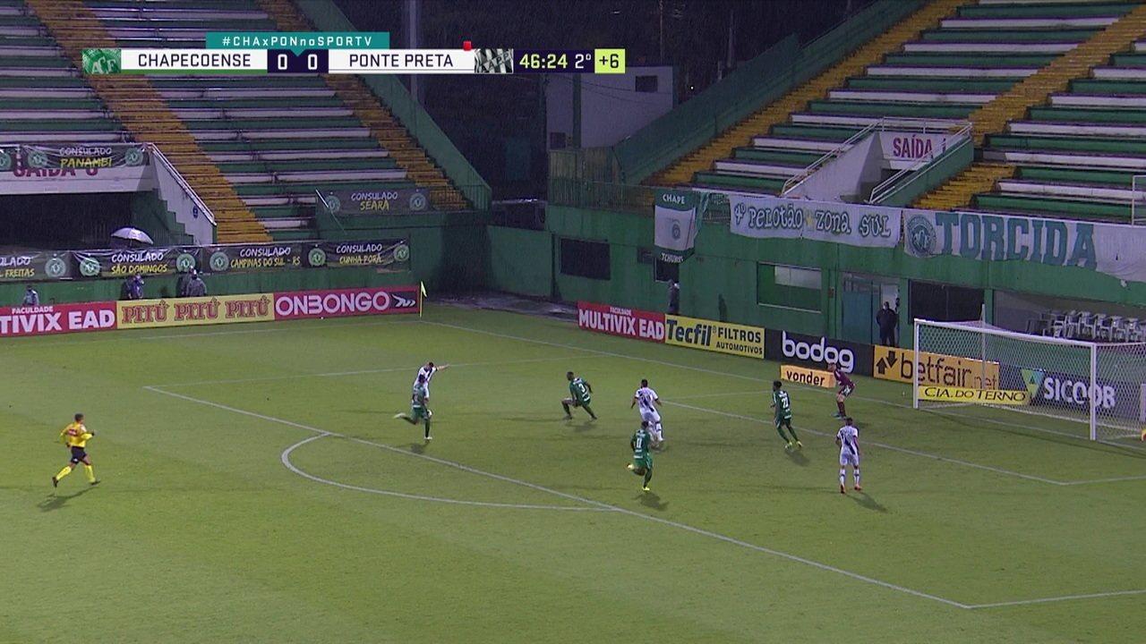 João Ricardo! Felipe Santana erra, Guilherme Pato tabela com Bruno Rodrigues, e chuta para defesa do goleiro, aos 46 do 2º
