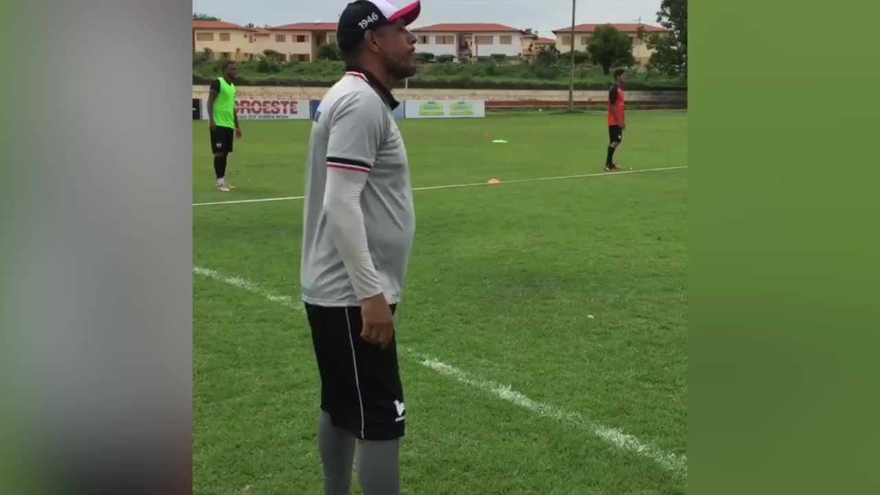 Vídeo mostra perfil de Sacramento em treino do River-PI; 'Boa Sabãozinho', elogia técnico