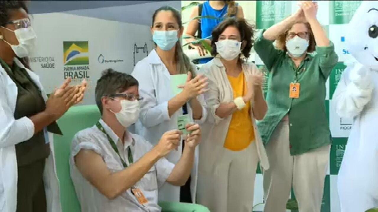 O cientista da infecção é o primeiro a obter uma vacina Oxford em Vucruz