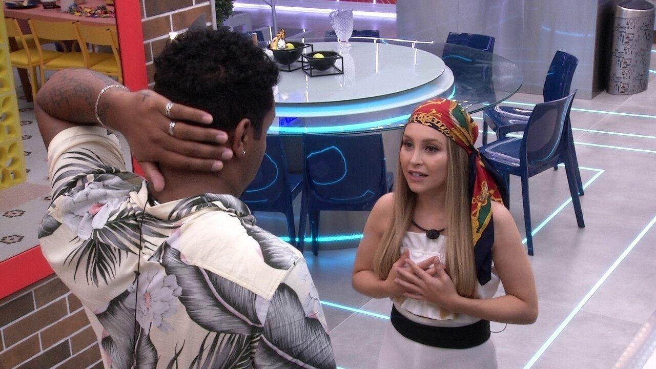 Carla Diaz fala para Nego Di: 'Achei que você interpretou como se eu tivesse provocando'