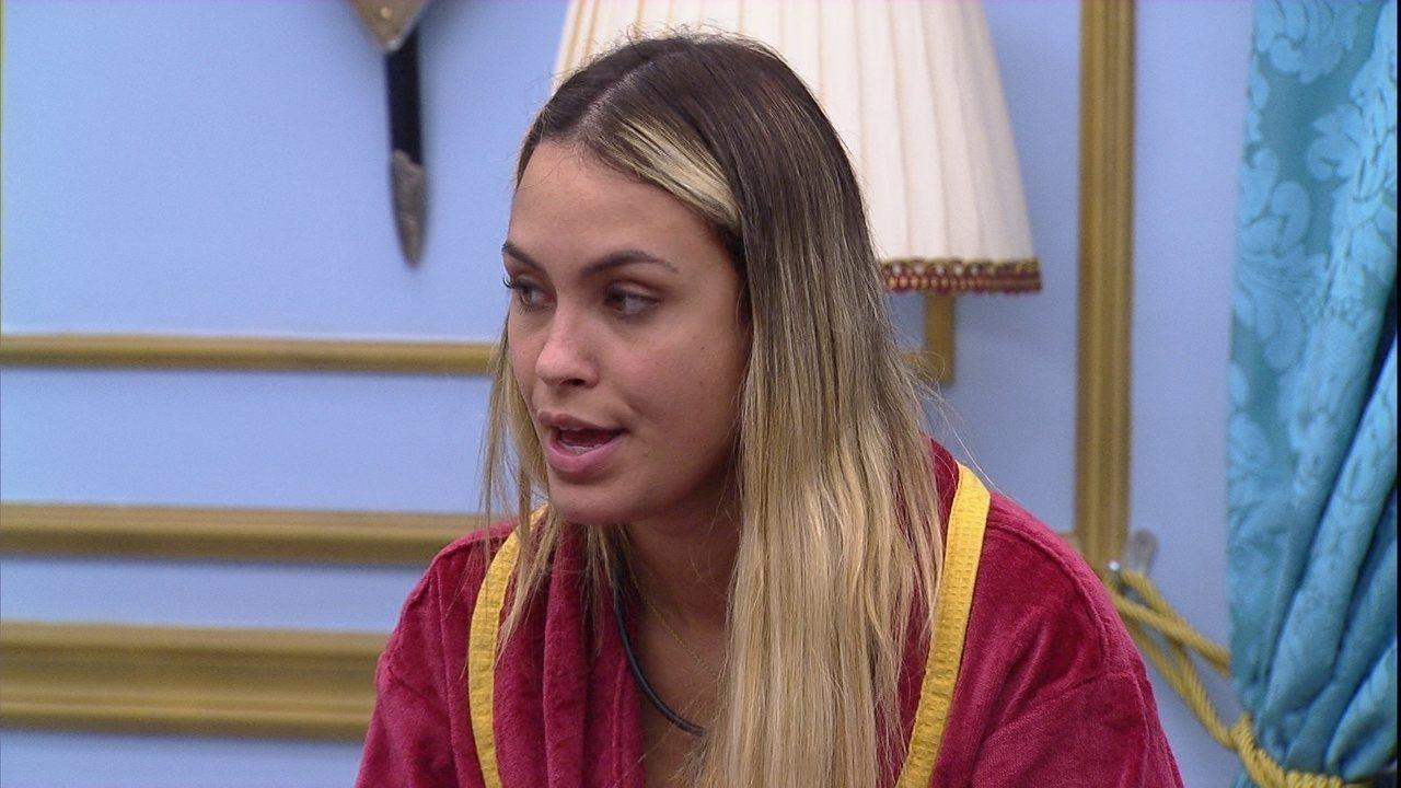 Sarah elogia mudança de comportamento de Thaís no BBB21: 'Está virando outra pessoa'