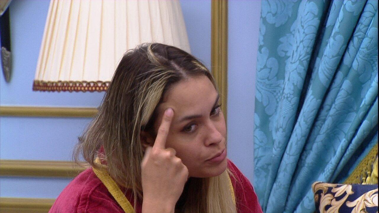 Sarah alerta Rodolffo no BBB21: 'O povo está desconfiado do teu jogo'