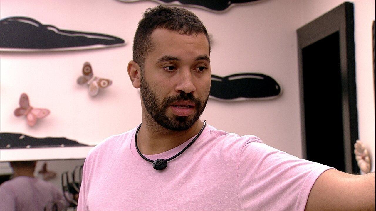 Gilberto desabafa sobre a atitude de brother no BBB21: 'Acho podre'