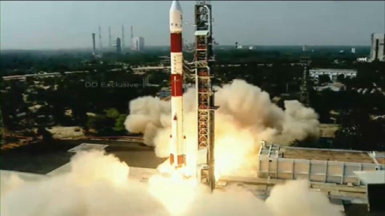 VÍDEO: Foguete que colocará satélite Amazônia 1 em órbita é lançado