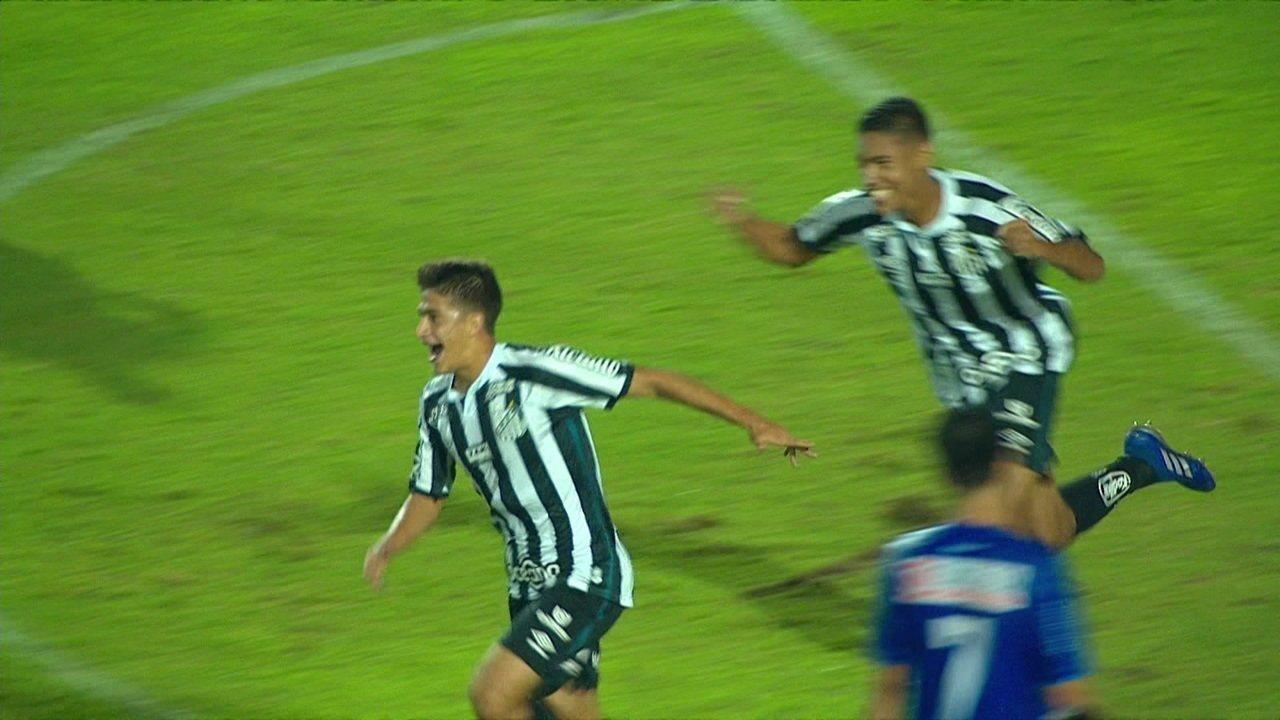 Gol do Santos! Sandro rouba e rola para Vinícius Balieiro, que toca para Gabriel Pirani marcar, aos 2