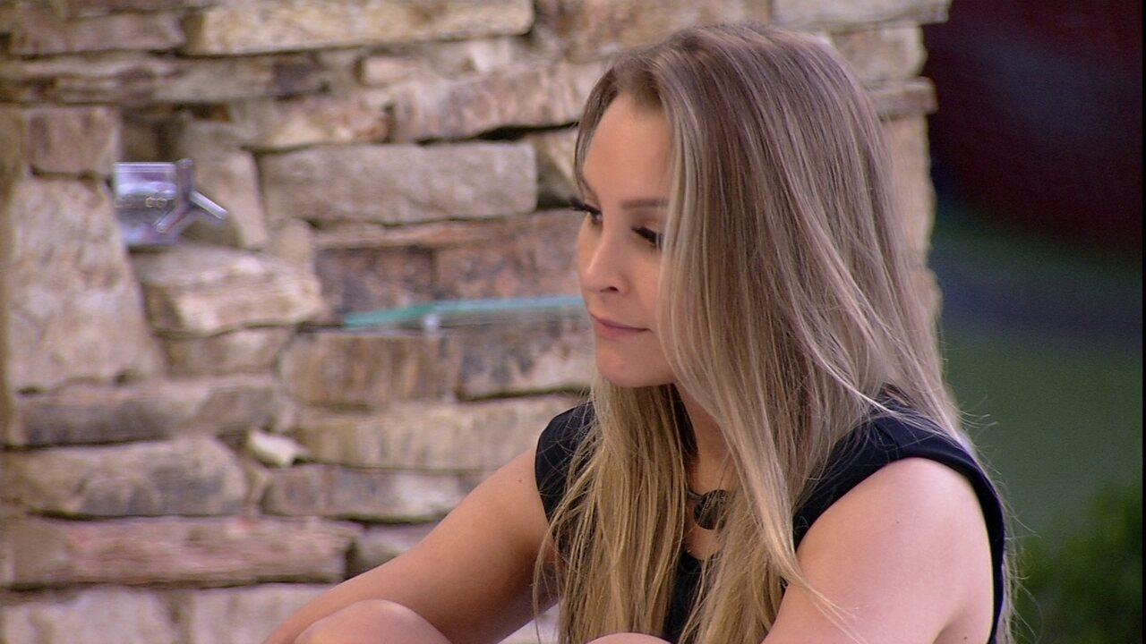 No BBB21, Carla Diaz fala para sisters sobre Arthur: 'Ele está reparando essa rejeição'