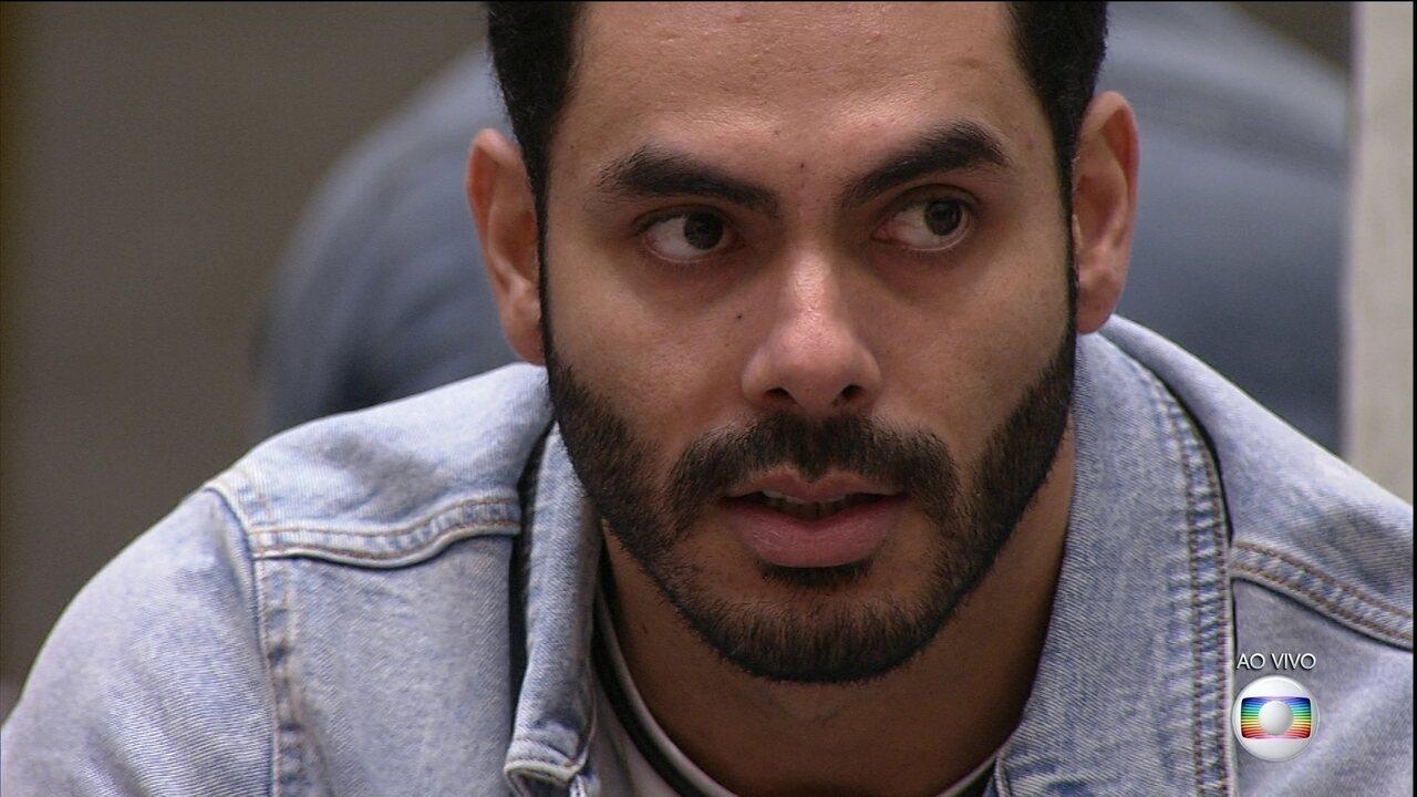 Paredão Falso BBB21: Líder Rodolffo indica Carla Diaz e João Luiz