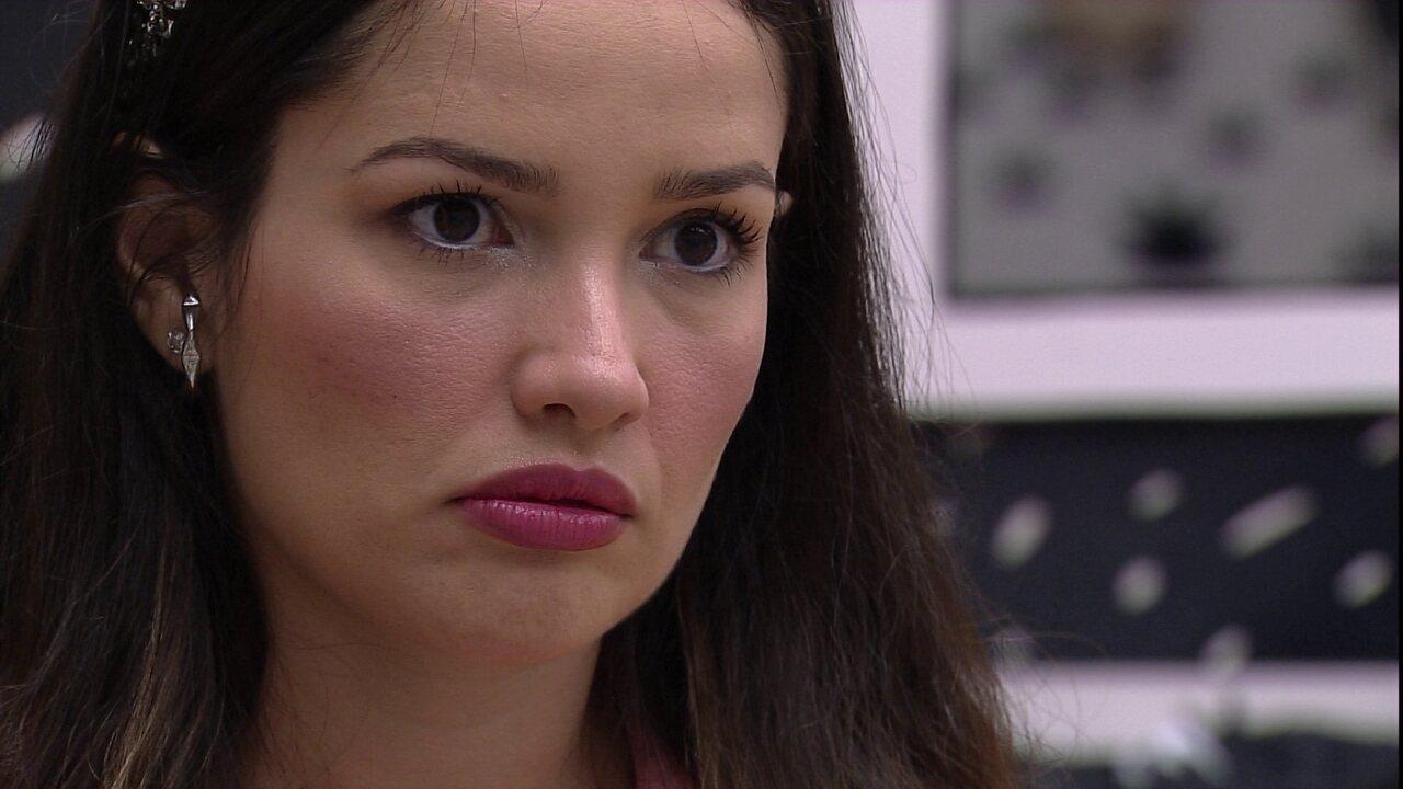 Juliette questiona Viih Tube: 'Entre eu chorar e Thaís chorar, você prefere que eu chore?'