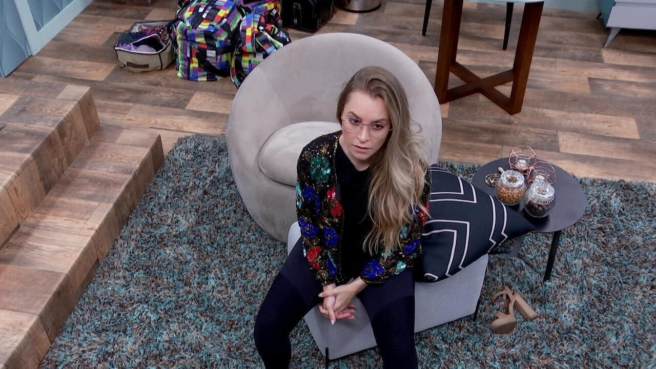 No Quarto Secreto do BBB21, Carla Diaz ouve fala de Arthur e declara: 'Estou chegando'