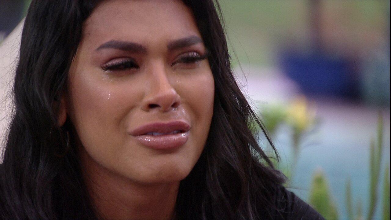 Após conversa com João Luiz no BBB21, Pocah chora pela forma que foi tratada